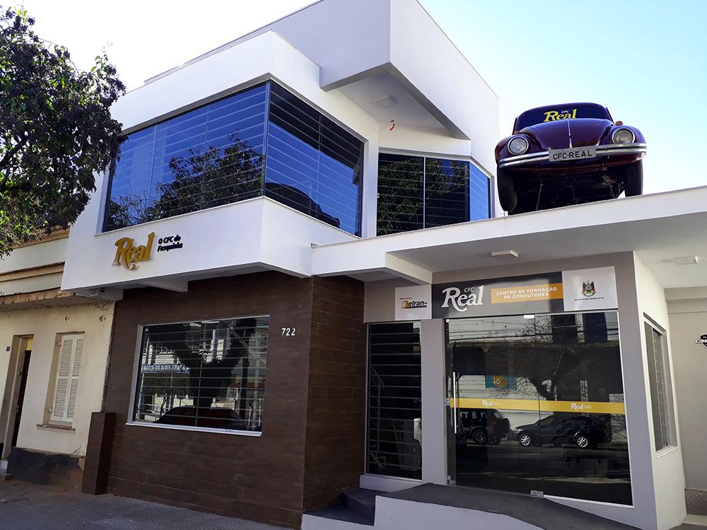 As Atividades Do CFC Real Iniciaram Se Em Santa Cruz Do Sul/RS, No Ano De  1972. Na época, Denominava Se Auto Escola Real E Foi A Primeira Autoescola  Da ...